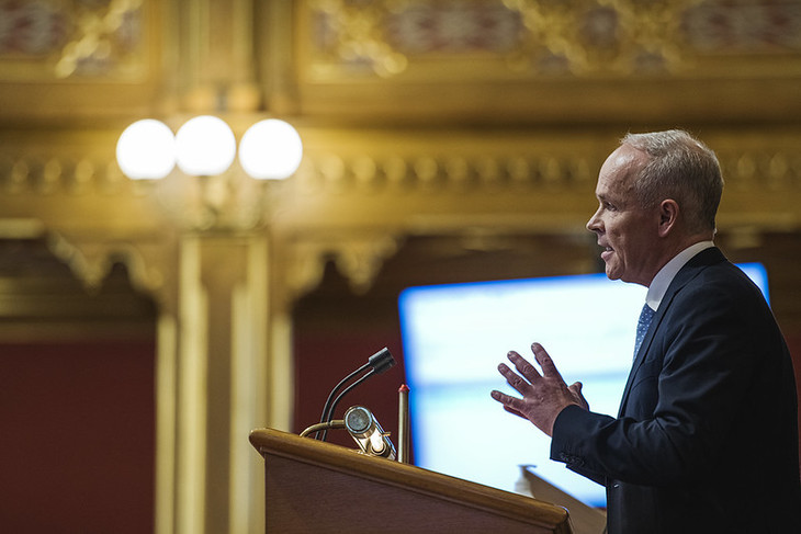 Finansminister Jan Tore Sanner (H) legger frem regjeringens forslag til statsbudsjett for 2021. Foto: Benjamin A. Ward/Stortinget.