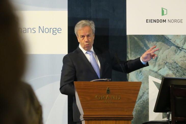 Sentralbanksjef Øystein Olsen holder sitt innlegg under Eiendom Norge og Finans Norge sin årlige boligkonferanse i 2017. Foto: Erik Lundesgaard.