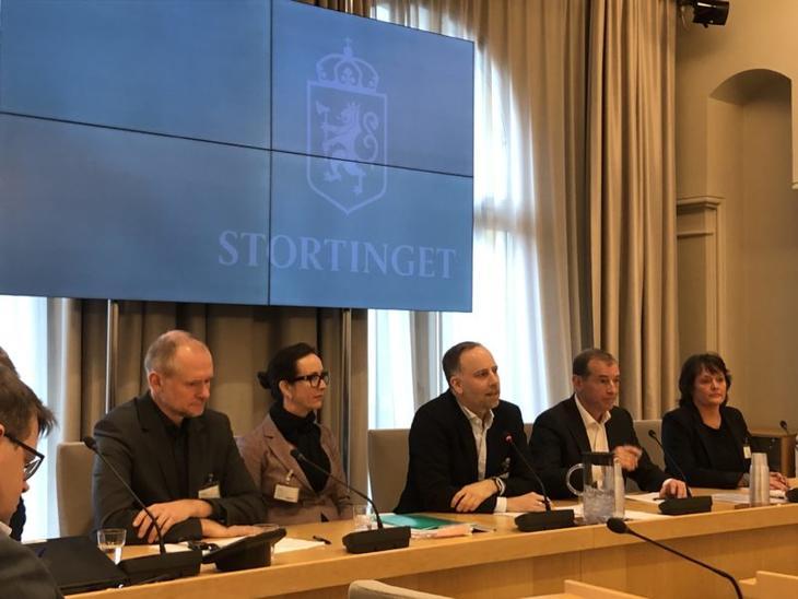 Høringsmøte om endringer i avhendingslova: Fra venstre: Henning Lauridsen(NBBL), Hanne Nordskog-Inger(Eiendom Norge), Christian Vammervold Dreyer(Eiendom Norge) og Carl Geving(NEF).