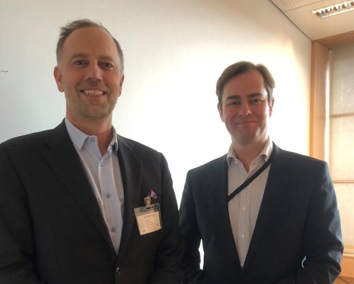 Fra venstre: Eiendom Norge-direktør Christian Vammervold Dreyer og statssekretær i Kommunal- og moderniseringsdepartementet Lars Jacob Hiim (H). Foto: Erik Lundesgaard (Eiendom Norge).