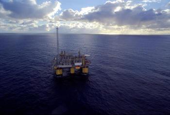 Det er fortsatt høy aktivitet på norsk sokkel og i norsk økonomi. Foto: Norsk olje og gass.