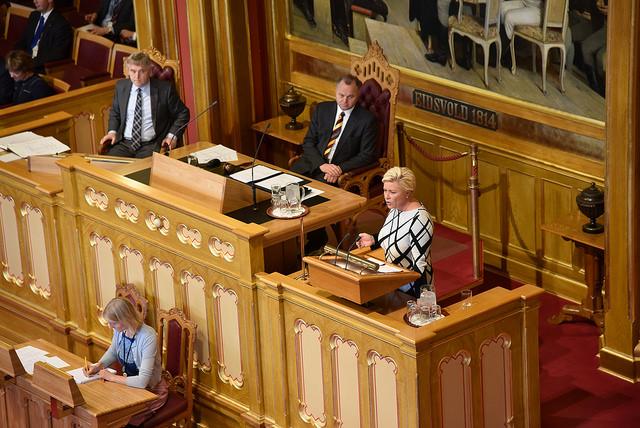 Regjeringens forslag til statsbudsjett for 2016 ble lagt frem onsdag 7. oktober 2015. Finansminister Siv Jensen (FrP) på talerstolen. Foto: Gjermund Nordtug/Stortinget.