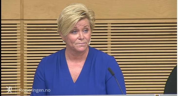 Fornøyd: Finansminister Siv Jensen var fornøyd da forenklingne i eiendomsmeglingsloven ble vedtatt på Stortinget. Skjermdump regjeringen.no