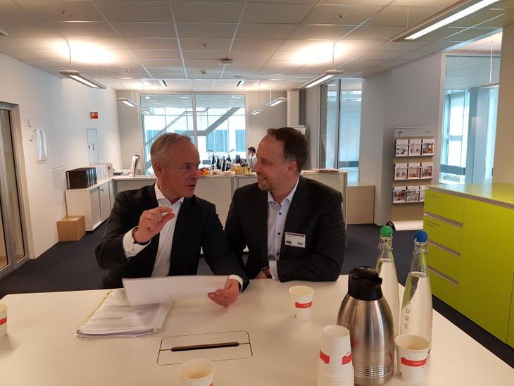 Bolig- og kommunalminister Jan Tore Sanner og administrerende direktør i Eiendom Norge, Christian V. Dreyer Foto: Peder E. Tollersrud