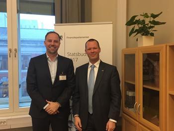 Eiendom Norge-direktør Christian Vammervold Dreyer og statssekretær i Finansdepartementet Tore Vamraak (H).