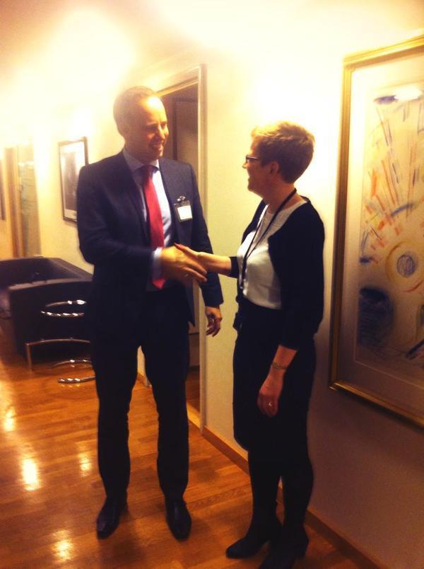 Eiendom Norges administrende direktør Christian Vammervold Dreyer og statsekretær Ingvild Stub.